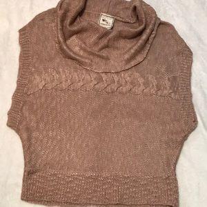 Sleeveless cowlneck sweater EUC beautiful color